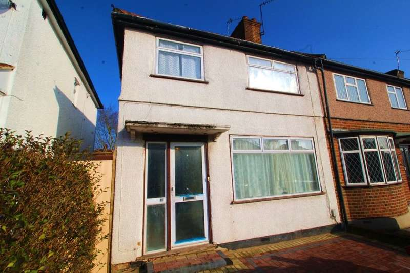 3 Bedrooms Semi Detached House for rent in Leggatts Wood Avenue, Watford, WD24