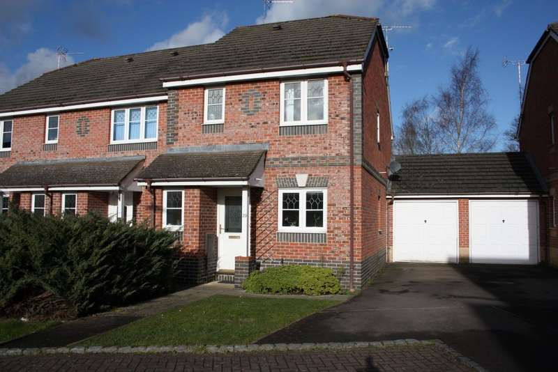 3 Bedrooms Semi Detached House for sale in Amber Close, Earley, Reading, RG6