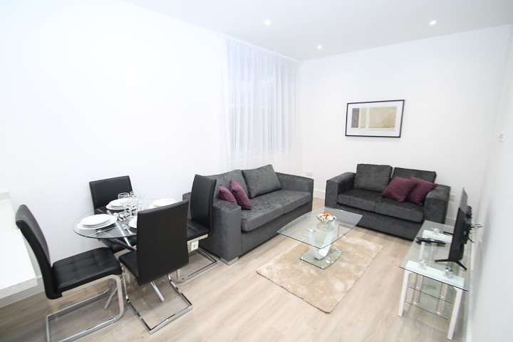 2 Bedrooms Flat for sale in Venture House, 42-52 London Road, Staines-Upon-Thames, TW18