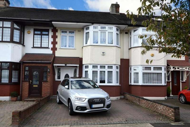 3 Bedrooms Terraced House for sale in Heather Avenue, Romford, RM1
