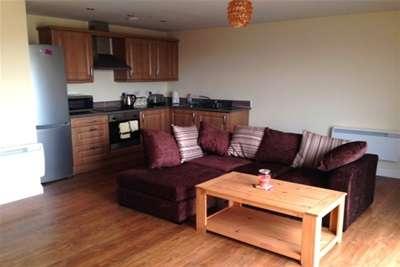 2 Bedrooms Penthouse Flat for rent in Victoria Road, QUEENSPARK