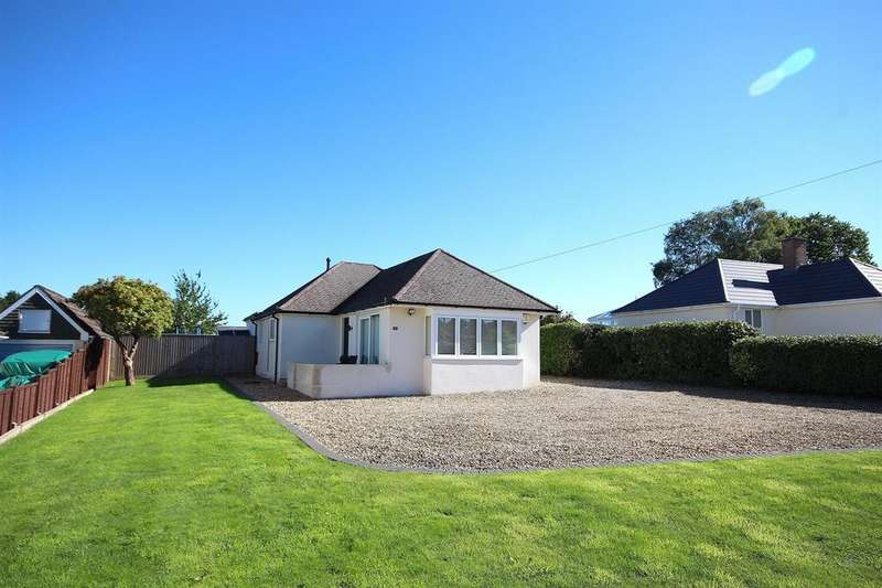 3 Bedrooms Detached Bungalow for sale in Albert Road, Corfe Mullen, Wimborne