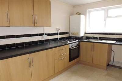 3 Bedrooms Flat for rent in Bedhampton