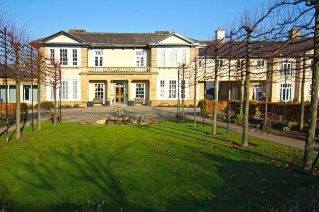 1 Bedroom Flat for sale in Hollins Hall, Killinghall, Harrogate