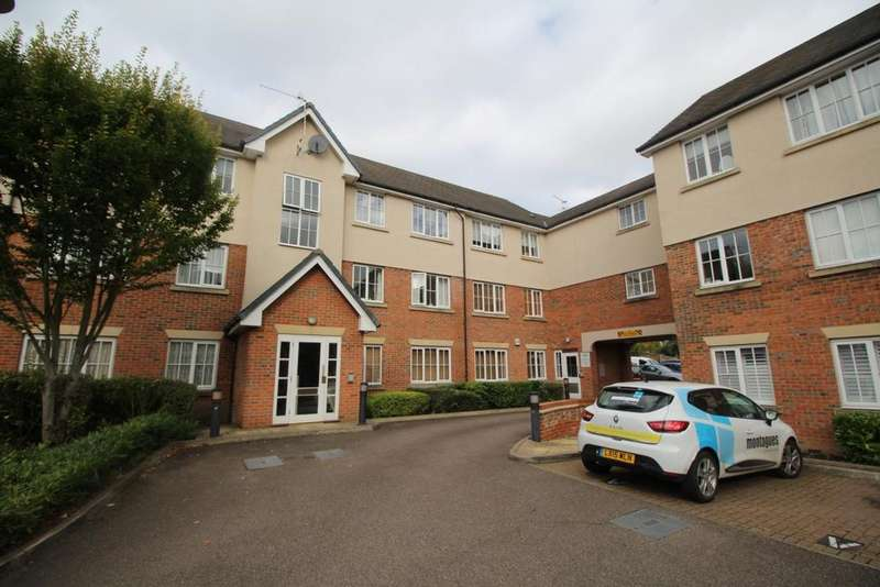 2 Bedrooms Flat for sale in Addison Court, Epping, CM16