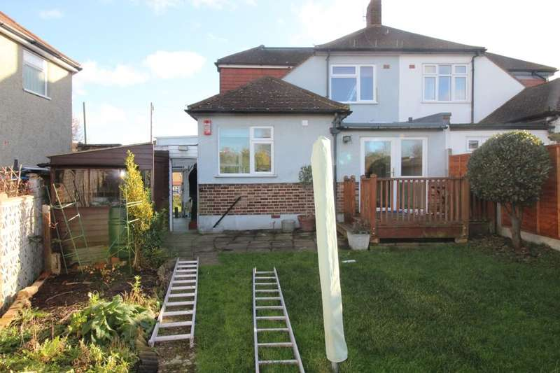 3 Bedrooms Semi Detached Bungalow for rent in Benhill Road, Sutton, SM1