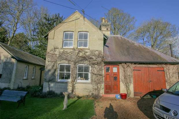 2 Bedrooms Detached House for rent in The Cottage, Crimplesham