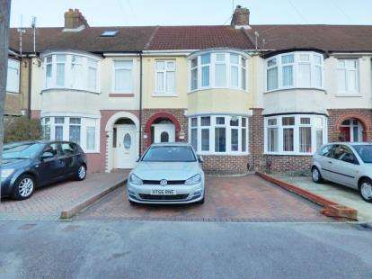 3 Bedrooms Terraced House for sale in Elson, Gosport