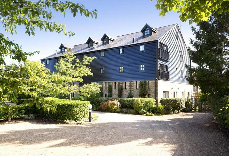 3 Bedrooms Flat for sale in Chine Farm Place, Main Road, Knockholt, Kent, TN14