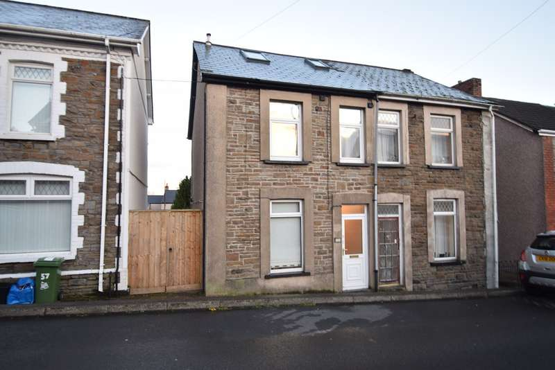 3 Bedrooms Semi Detached House for sale in Broad Street, Griffithstown, Pontypool, NP4