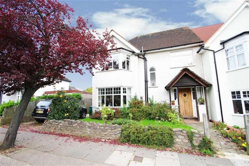 4 Bedrooms House for sale in Hillside Gardens, High Barnet, Hertfordshire