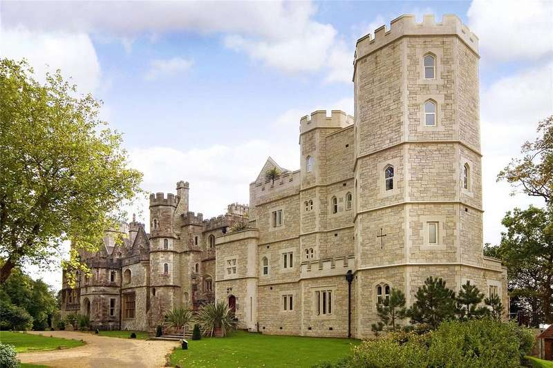 4 Bedrooms Flat for sale in Netley Castle, Abbey Hill, Southampton, SO31