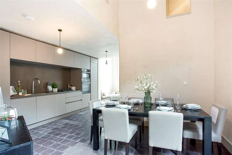3 Bedrooms Flat for sale in Wenlock Street, Shoreditch, Old Street, London, N1