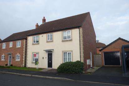 4 Bedrooms Detached House for sale in Lytham Close, Great Sankey, Warrington, Cheshire