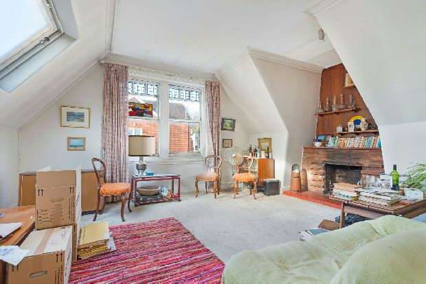 2 Bedrooms Flat for sale in Daleham Gardens, Hampstead, NW3