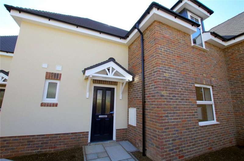 2 Bedrooms Terraced House for sale in West End Mews, 19 Southsea Avenue, Watford, Hertfordshire, WD18
