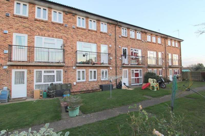 3 Bedrooms Duplex Flat for rent in Town Lane, Stanwell, Staines-upon-Thames, TW19