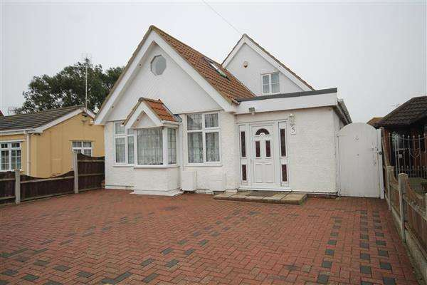 5 Bedrooms Chalet House for sale in Dulwich Road, Holland on Sea