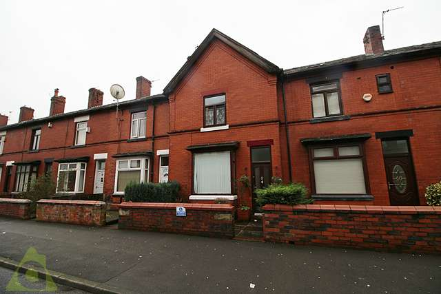 2 Bedrooms Terraced House for sale in Crescent Road, Great Lever, BL3