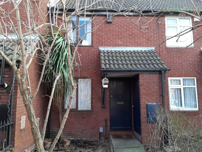 2 Bedrooms Terraced House for sale in Barton Close, E6 5QE
