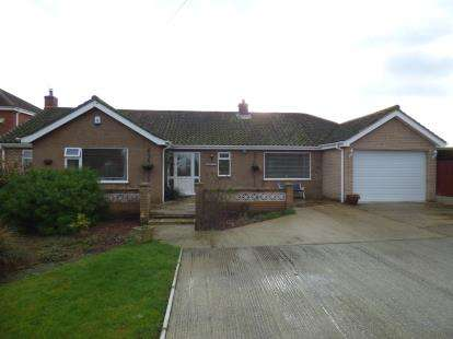3 Bedrooms Bungalow for sale in Fen Lane, Dunston, Lincoln, Lincolnshire