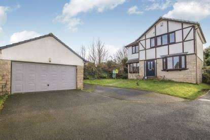 4 Bedrooms Detached House for sale in Wadebridge, Cornwall, Uk
