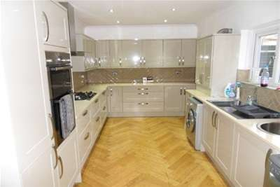 2 Bedrooms Flat for rent in Percy Park, Tynemouth