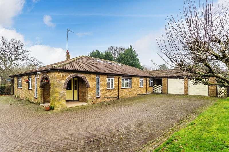 3 Bedrooms Detached Bungalow for sale in Crewes Lane, Warlingham, Surrey, CR6