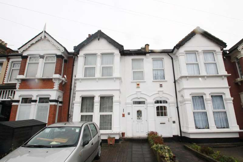 4 Bedrooms Terraced House for sale in SEYMOUR GARDENS, ILFORD