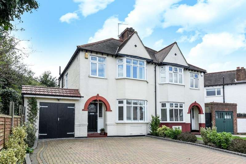 3 Bedrooms Semi Detached House for sale in Glebe Way West Wickham BR4