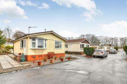 1 Bedroom Mobile Home for sale in Gawthorpe Edge, Padiham Road, Burnley, Lancashire, BB12