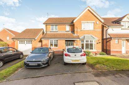 4 Bedrooms Detached House for sale in Tiverton Drive, West Bromwich, West Midlands
