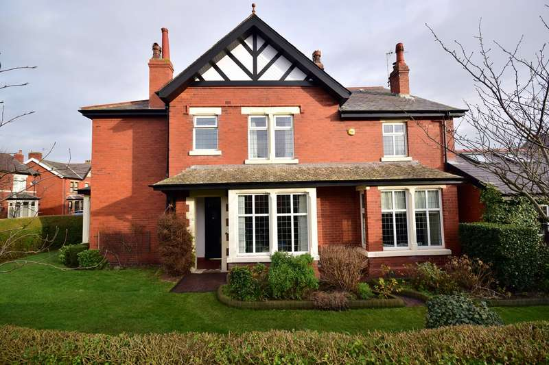 4 Bedrooms Semi Detached House for rent in Oxford Road, Ansdell, Lytham St Annes, FY8