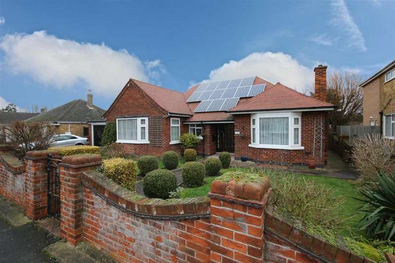4 Bedrooms Detached Bungalow for sale in Wellington Road, Mablethorpe