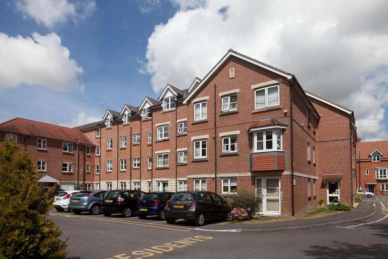 1 Bedroom Flat for sale in Archers Court, Salisbury