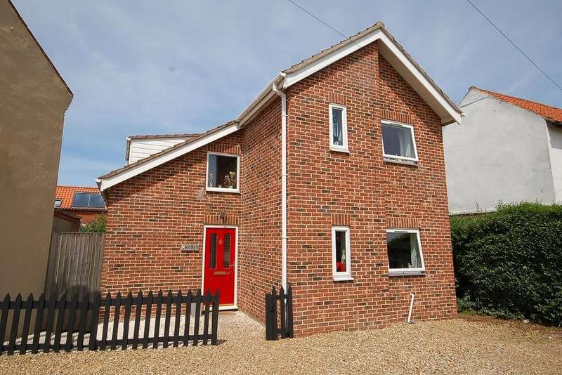 3 Bedrooms Detached House for sale in Cromer Road, Sheringham