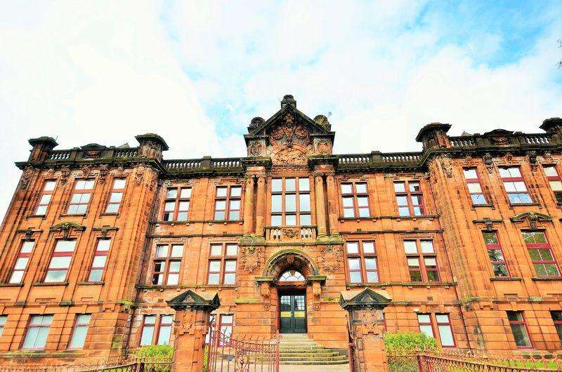 2 Bedrooms Apartment Flat for sale in 31 Academy Apartments, Elmbank Avenue, Kilmarnock KA1 3BT