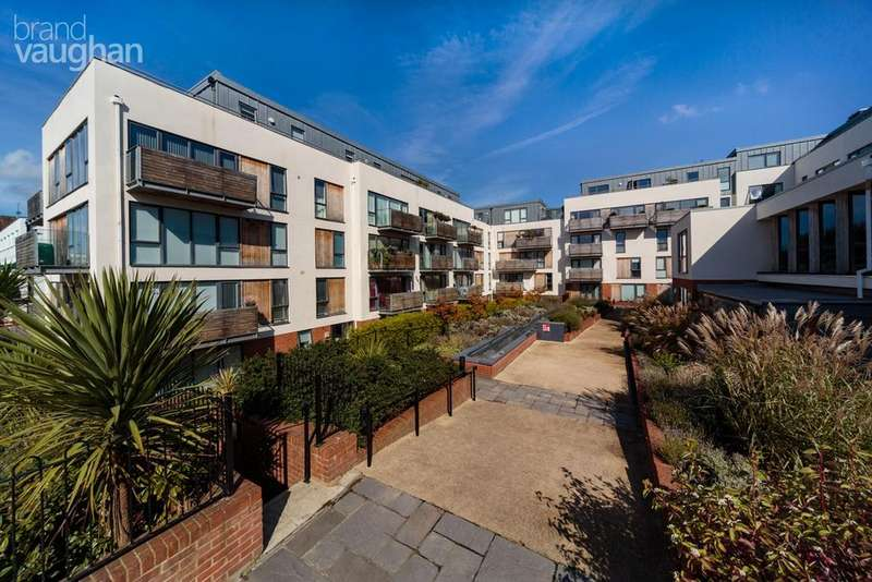 2 Bedrooms Apartment Flat for sale in Southdown House, Hove, BN3