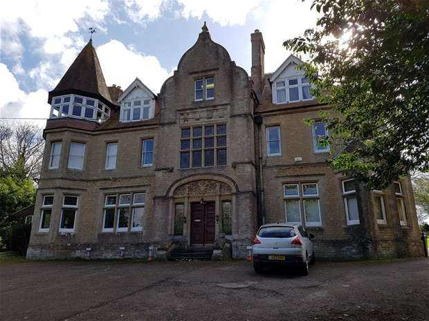 Office Commercial for rent in Courtleigh, Westbury Leigh, Westbury