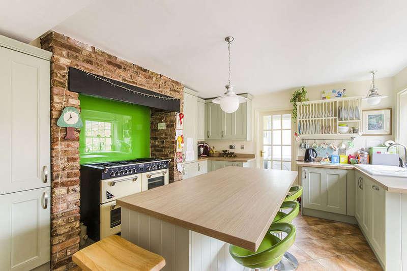 3 Bedrooms Terraced House for sale in Bridgegate, Howden, Goole, DN14