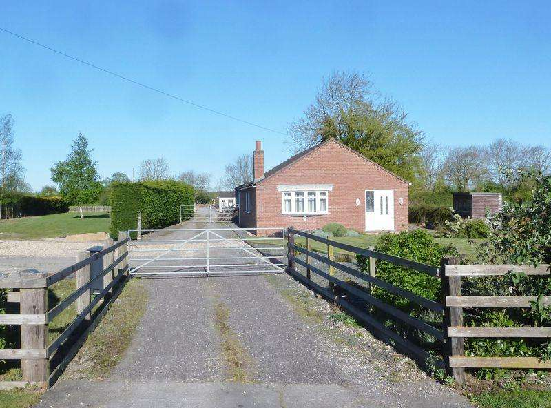 3 Bedrooms Detached Bungalow for sale in Main Road, Stickney, Boston