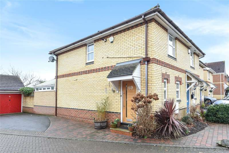 2 Bedrooms Semi Detached House for sale in Cherry Hills, Watford, WD19
