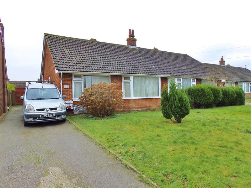 2 Bedrooms Bungalow for sale in Sayerland Road, Polegate