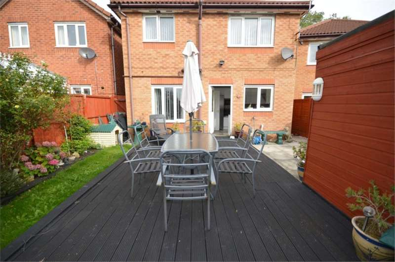 3 Bedrooms Detached House for sale in Masefield Close, New Ferry