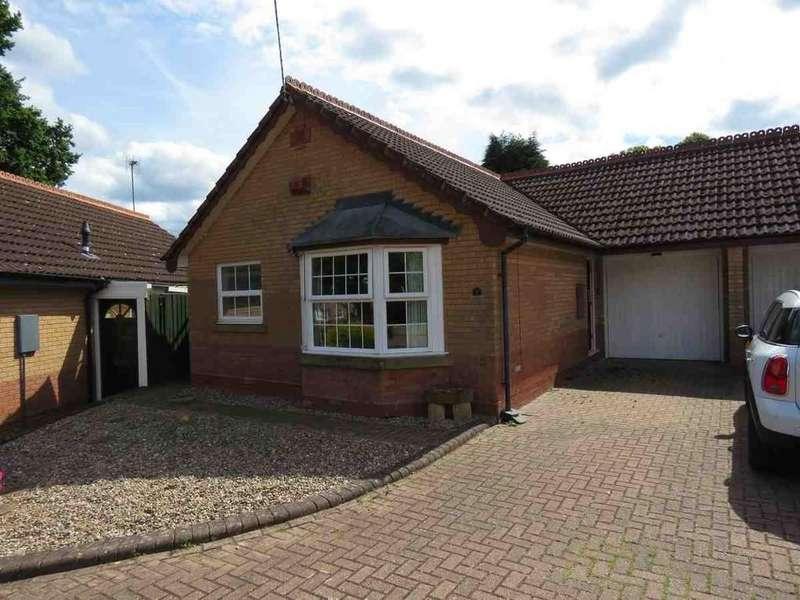 2 Bedrooms Semi Detached Bungalow for sale in Brooksby Grove, Dorridge