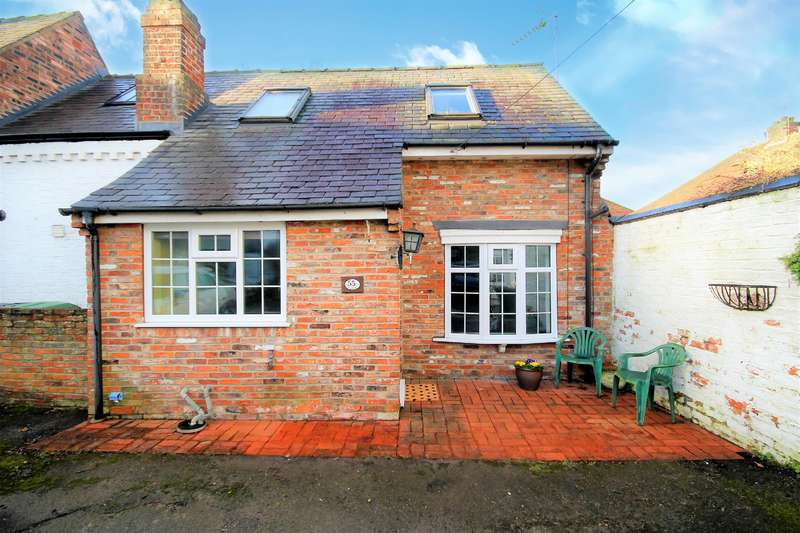 1 Bedroom Cottage House for sale in Heworth Village, York, YO31 1AE