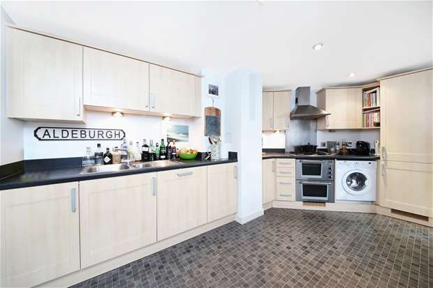 1 Bedroom Flat for sale in Peckham Rye, Peckham Rye