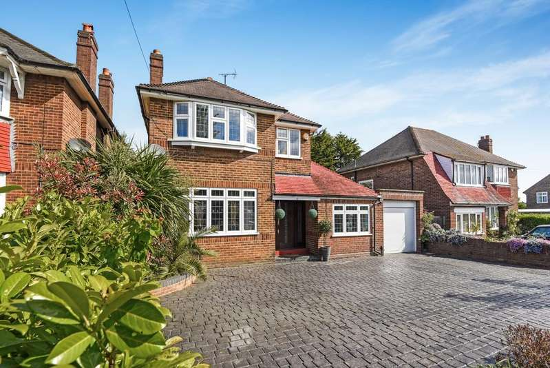 4 Bedrooms Detached House for sale in St. Pauls Wood Hill Orpington BR5