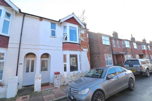 3 Bedrooms End Of Terrace House for sale in Sydney Road, Eastbourne, BN22