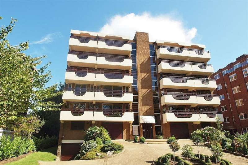 3 Bedrooms Flat for sale in Kelsey Park Avenue, Beckenham